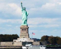 3 - NEW YORK HARBOR CRUISE